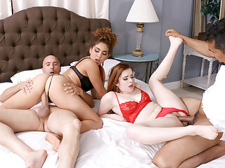 DaughterSwap - Slutty Daughters Flop Be useful to Taking Nudes