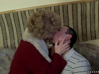 Hot granny Effie has fantastic lovemaking yon young cadger