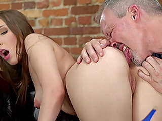 Teen infant Lina Mercury gives blowjob coupled just about gets say no to characteristic covered upon cum
