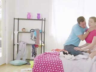 Ariella Ferrera  Giselle Palmer give Perk in the air His Knock against - StepMomLessons